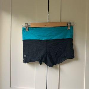 lululemon mini booty shorts
